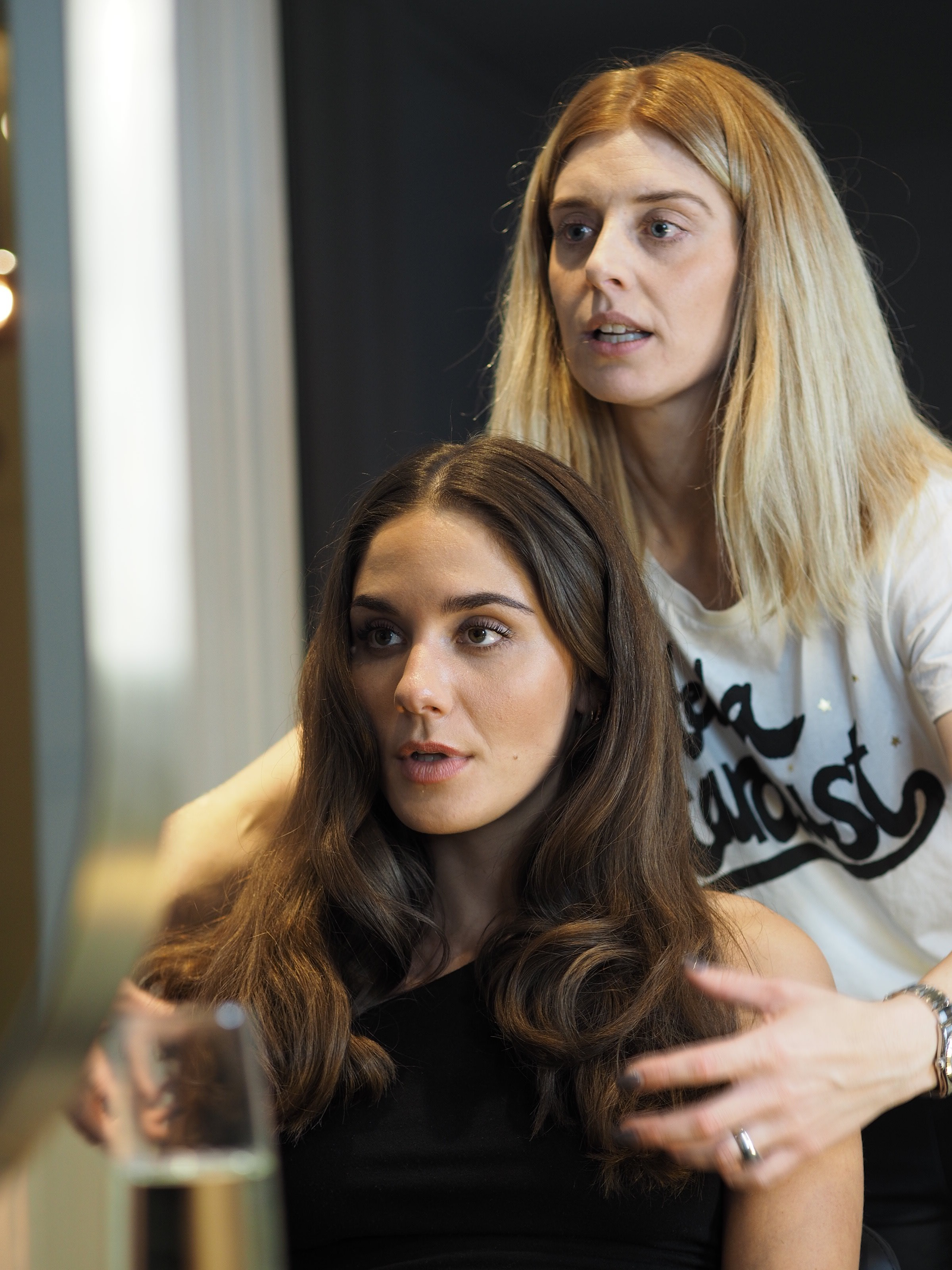 - Andrea Fonnesbek Schyberg, er stifteren bag Fonnesbek Hair. Andrea har mere end 10 års erfaring indenfor frisørfaget og arbejder kreativt og nyskabende. Hun har tidligere været selvstændig i Lyngby og tager jævnligt kurser i ind og udland.