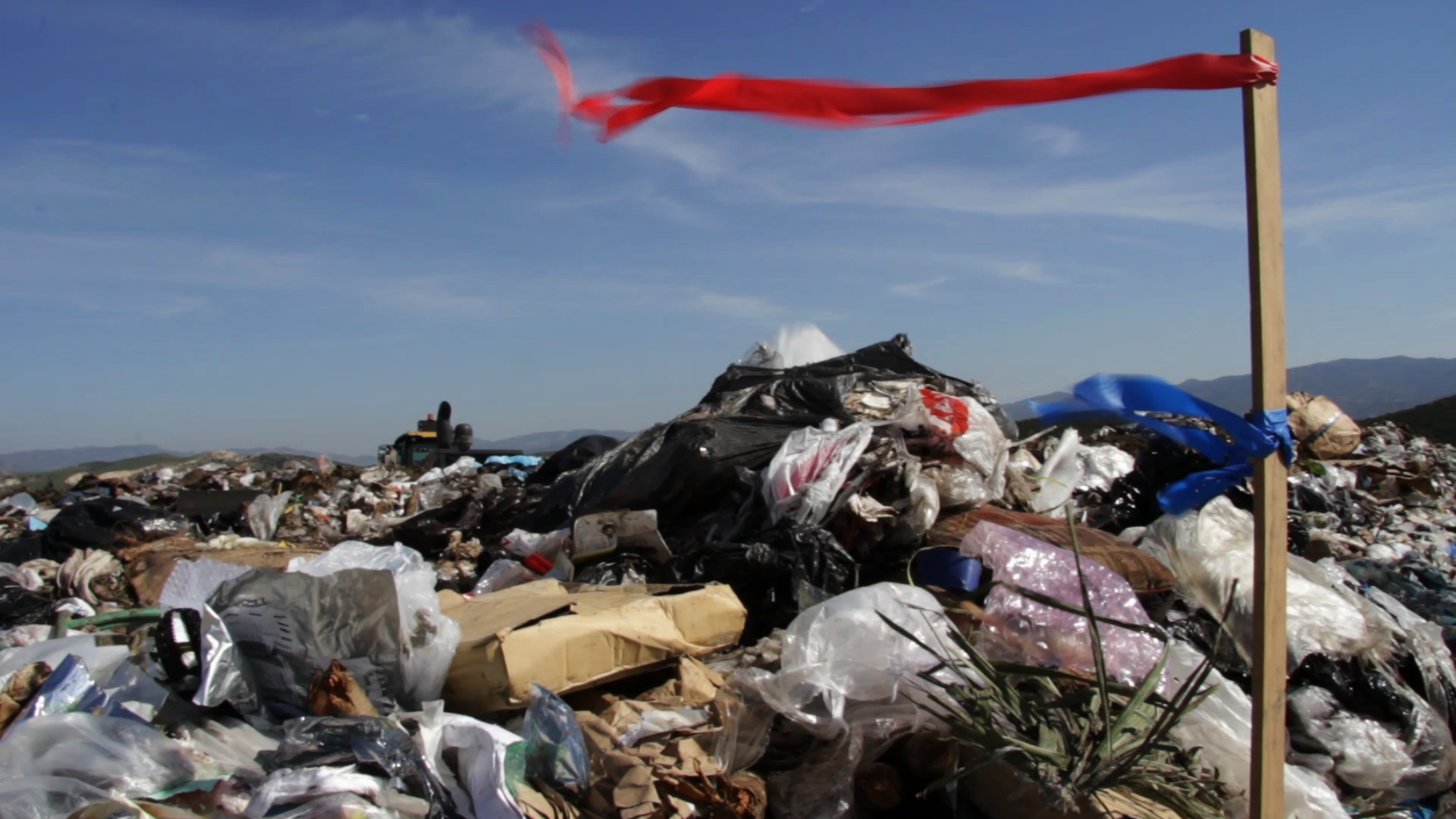 LOS ANGELES' GROWING TRASH PROBLEM NEEDS NEW SOLUTIONS -