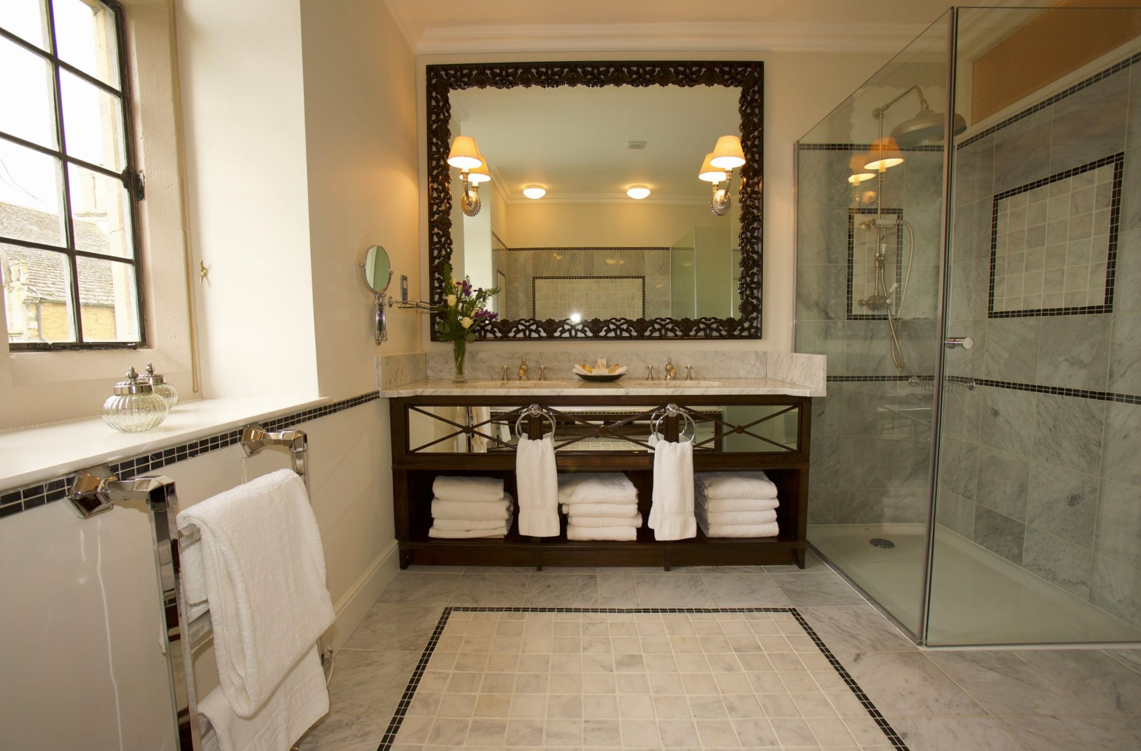 Osborne and Little Suite Bathroom