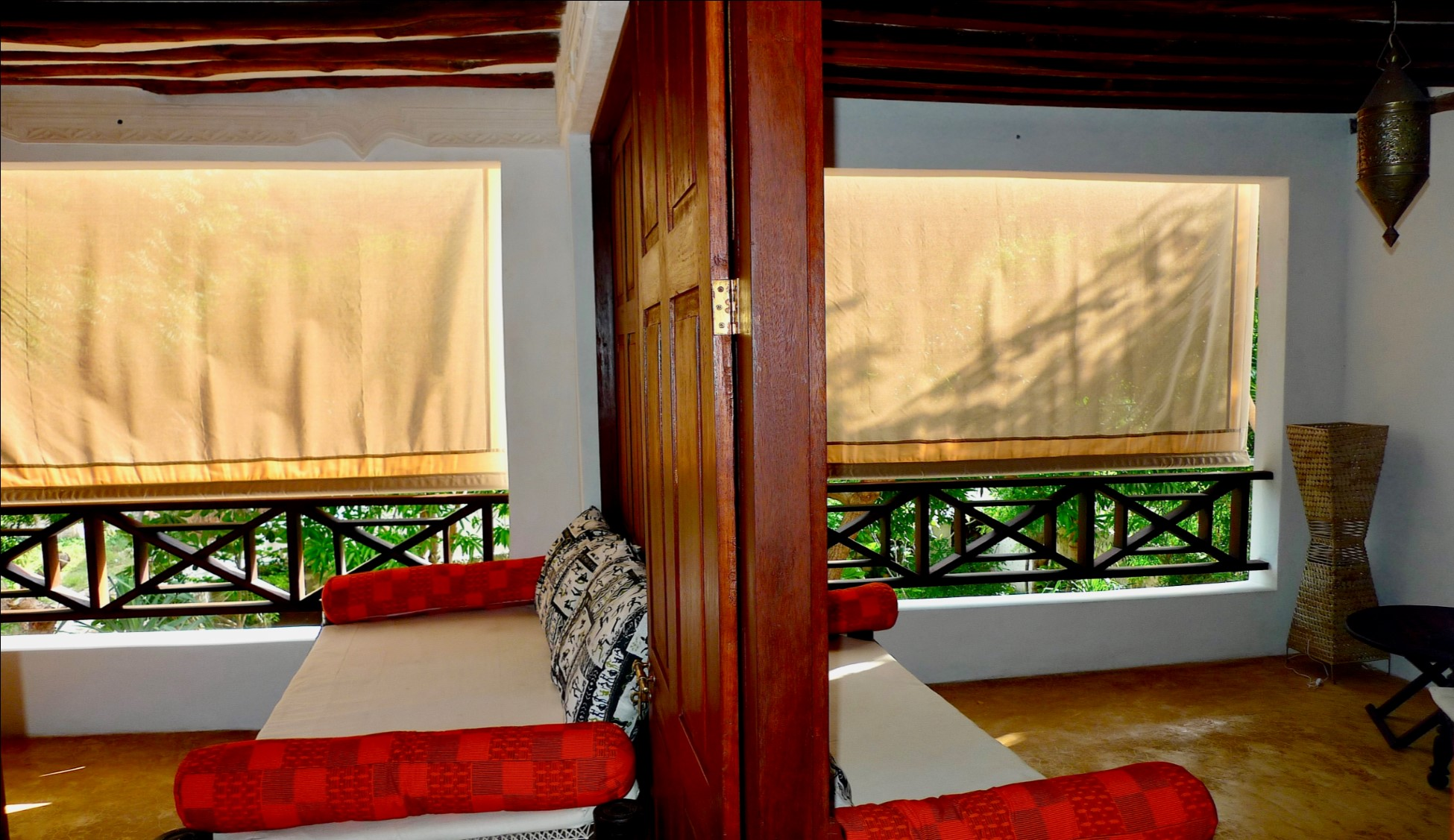 Deule-House-Shela-Lamu-Island-Kenya-Balcony-Dayroom-2