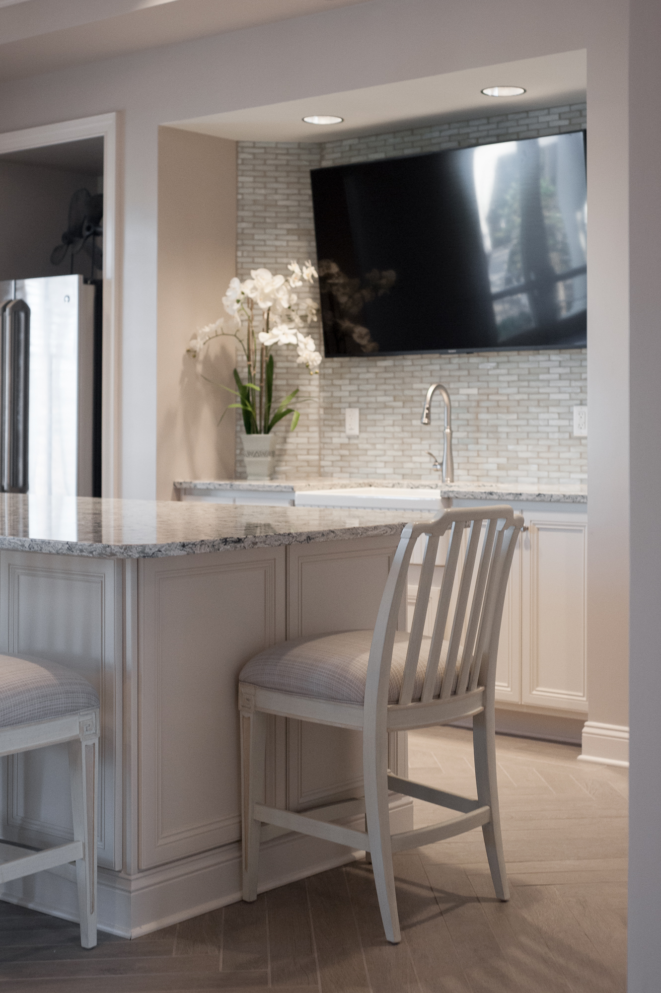 Micamy_Design_Studio_Interior_Design_Markland_StAugustine_Clubhouse_OldFlorida_Coastal_Glass_Mosaic_Tile_Backsplash_Kitchen_Cambria_Kohler_Blue_ (4).jpg