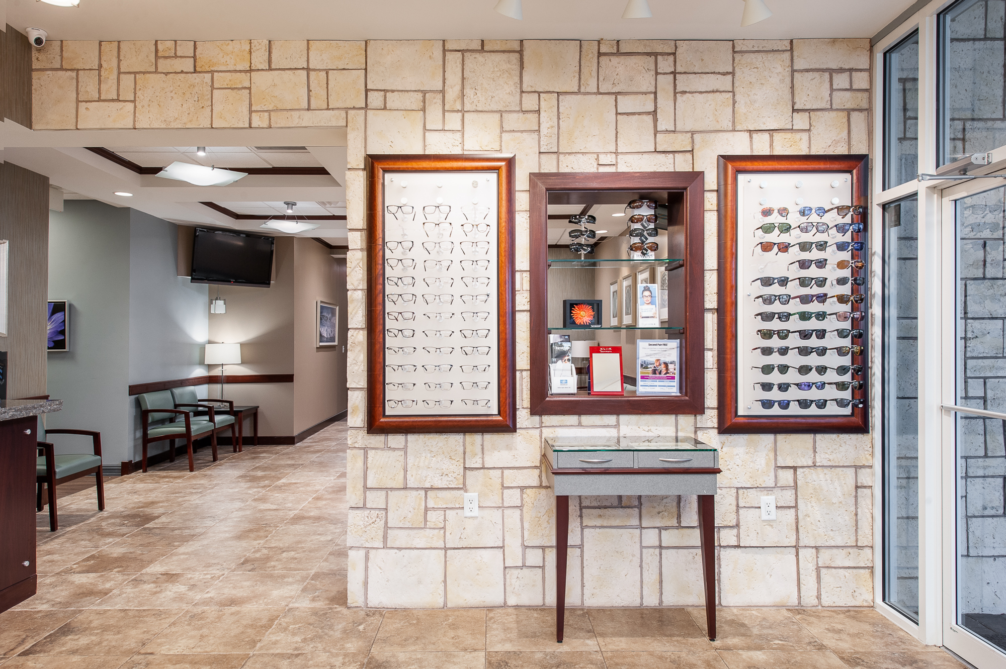 Micamy Design Studio_Interior Design_Clay Eye_Mandarin_Opthamology_Commercial_Office_Medical_Eye Care_Renovation_Crossville_Interiors_Artwork_Coastal_Crossville_Eykon7.jpg