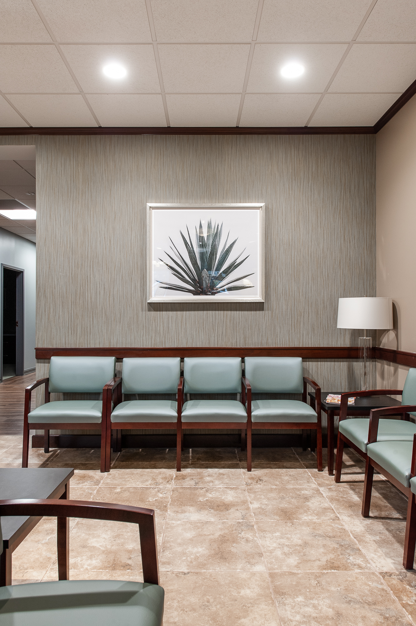 CLAY EYE MANDARIN - Take a photo tour of the newly renovated eye surgeon's office