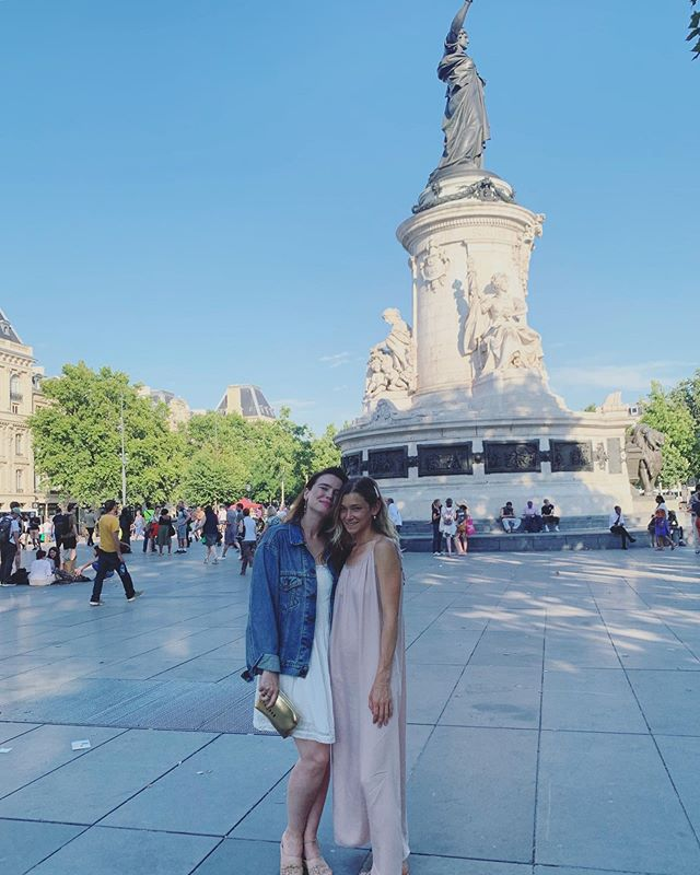 Hi from summer Parisian style. Preparing for our annual Element Retreat in the beautiful city of Paris this weekend by calling on the sweet medicine of playfulness, nourishing meals and receptivity from all of our new friends in France. . . #beyourownhealer #medicinereadings #spacebymamamedicine #howwecreatespace