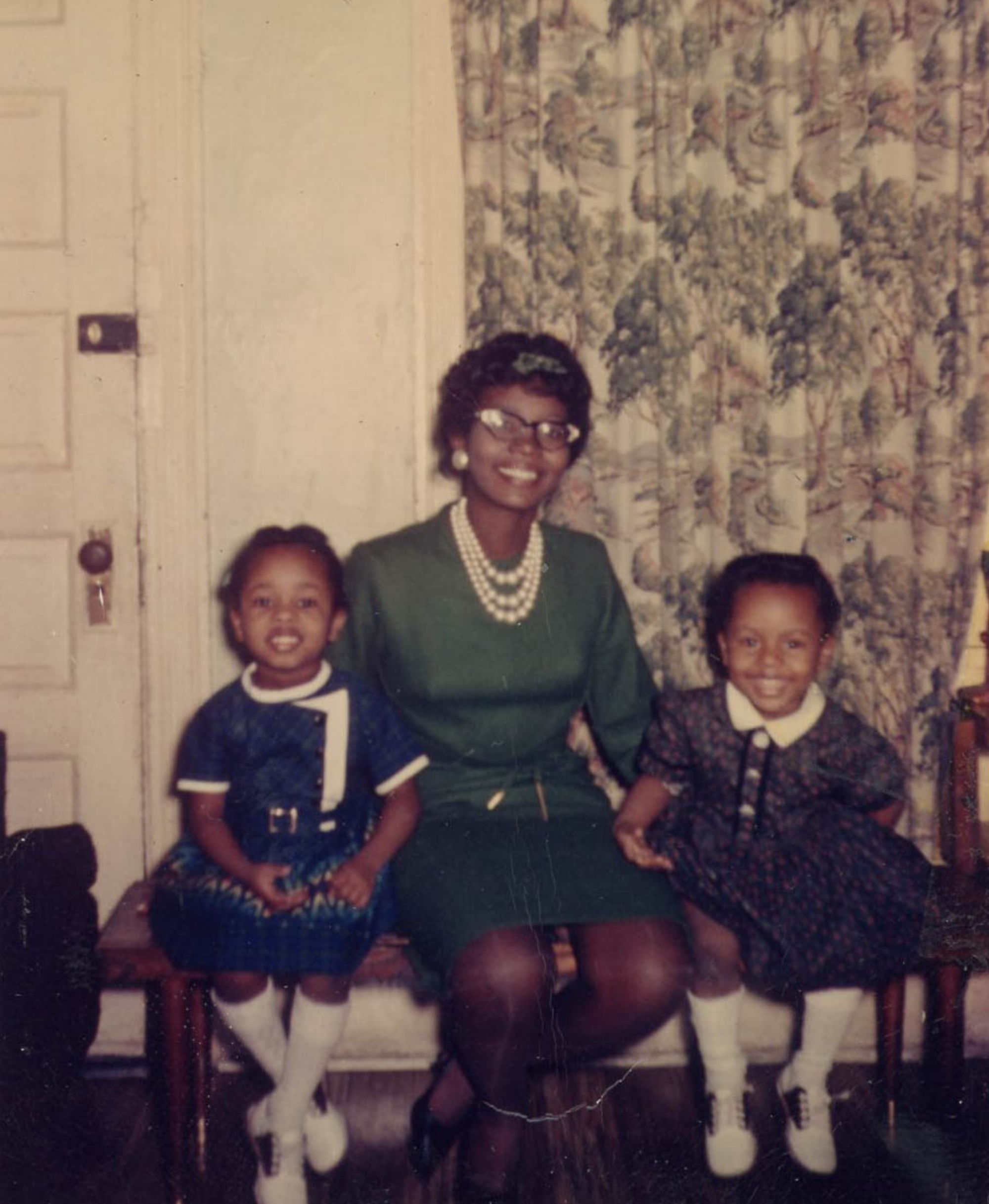 Kim El (left) with her mother Joan, and sister Cheryl in the early 1960s. Courtesy of Kim El.