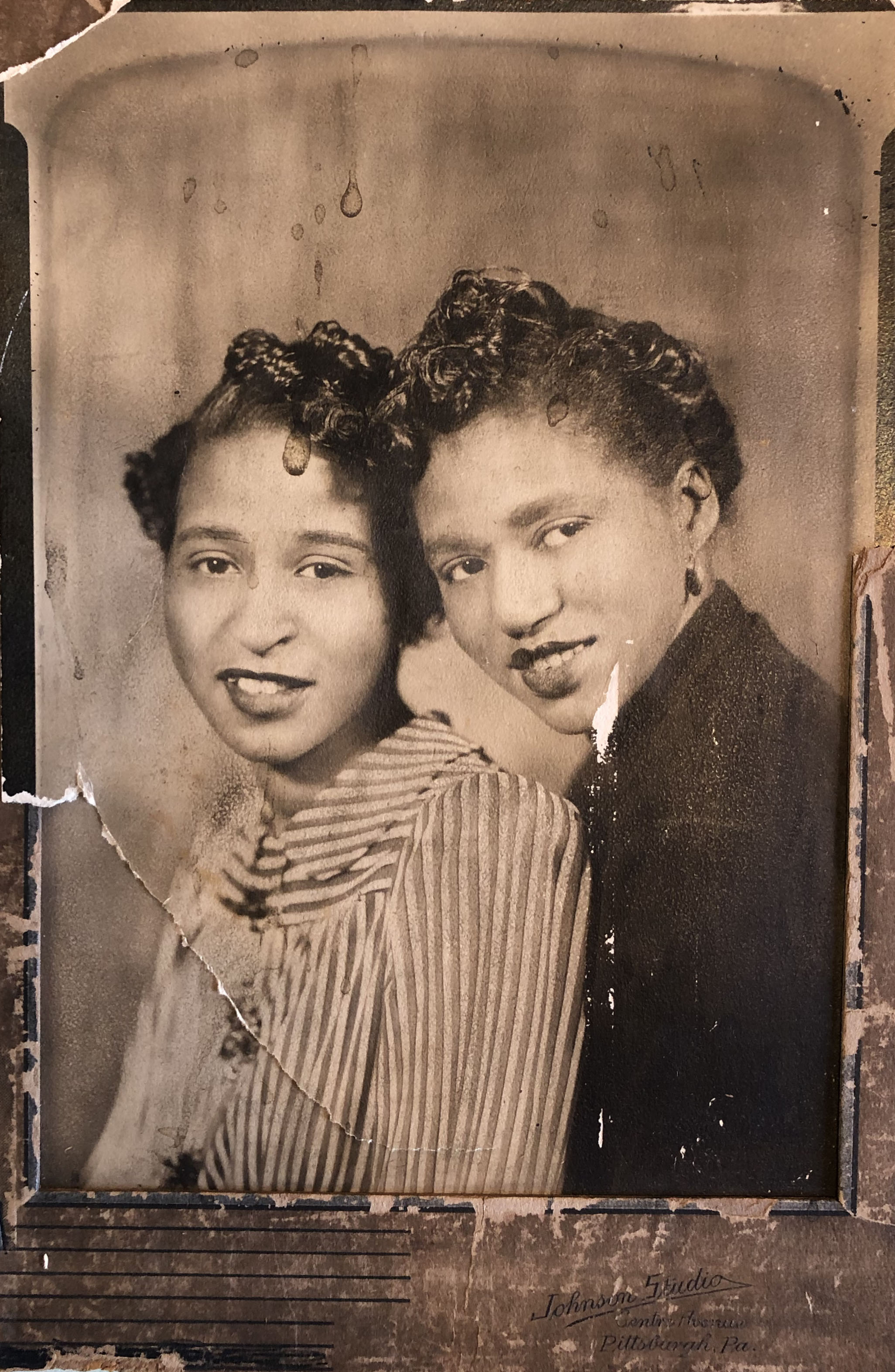 Welzetta Hardeman's mother (pictured, right) and aunt posed for a portrait at Johnson Studio on Centre Avenue, c. 1940-1945. Courtesy of Carol Hardeman.