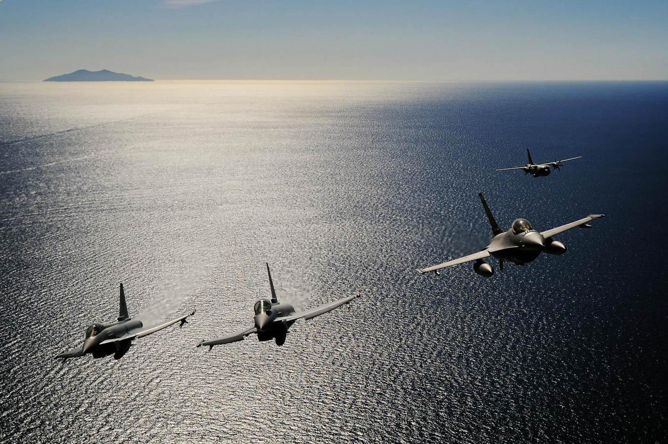 "Eurofighter, F-16, C27J ""Spartan"" - Aeronautica Militare"