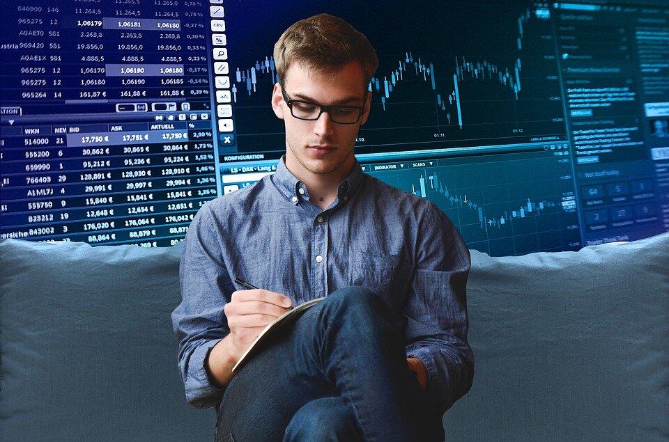 entrepreneur-2411763_960_720.jpg