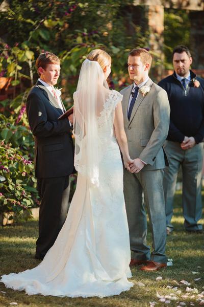 southern-wedding-lace-veil.jpg