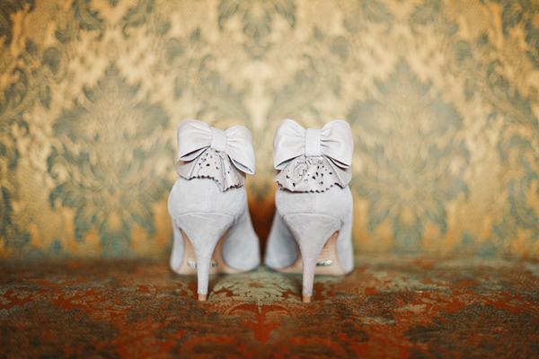 vintage-lace-wedding-dress-01.jpg