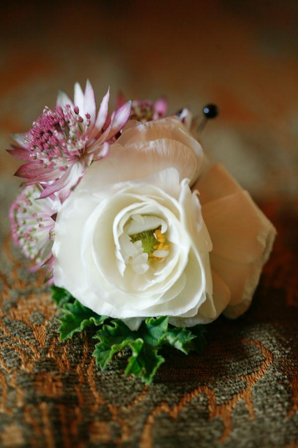 vintage-lace-wedding-dress-02.jpg