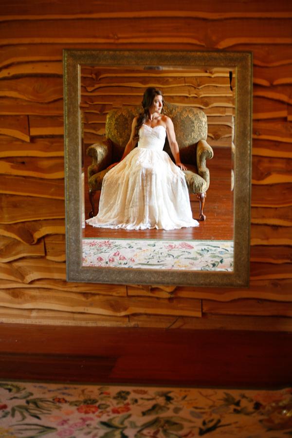 vintage-lace-wedding-dress-13.jpg