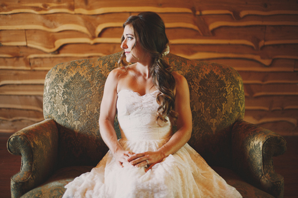 vintage-lace-wedding-dress-14.jpg