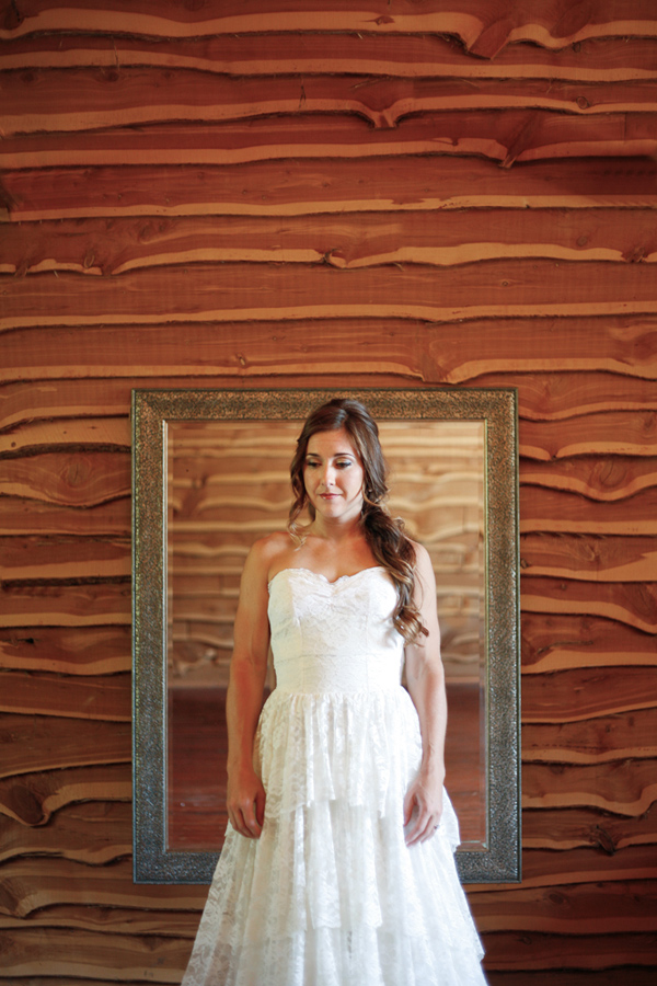 vintage-lace-wedding-dress-15.jpg