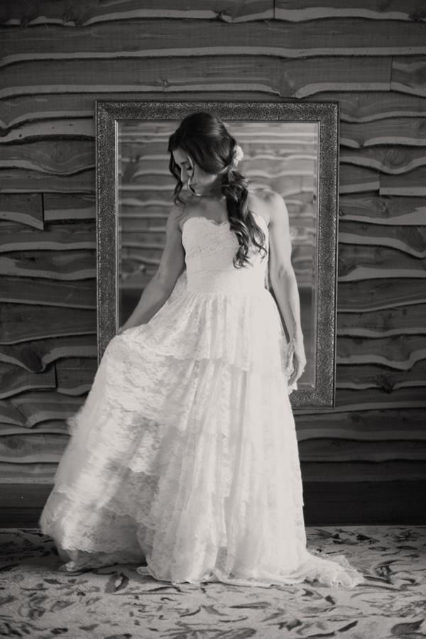 vintage-lace-wedding-dress-17.jpg