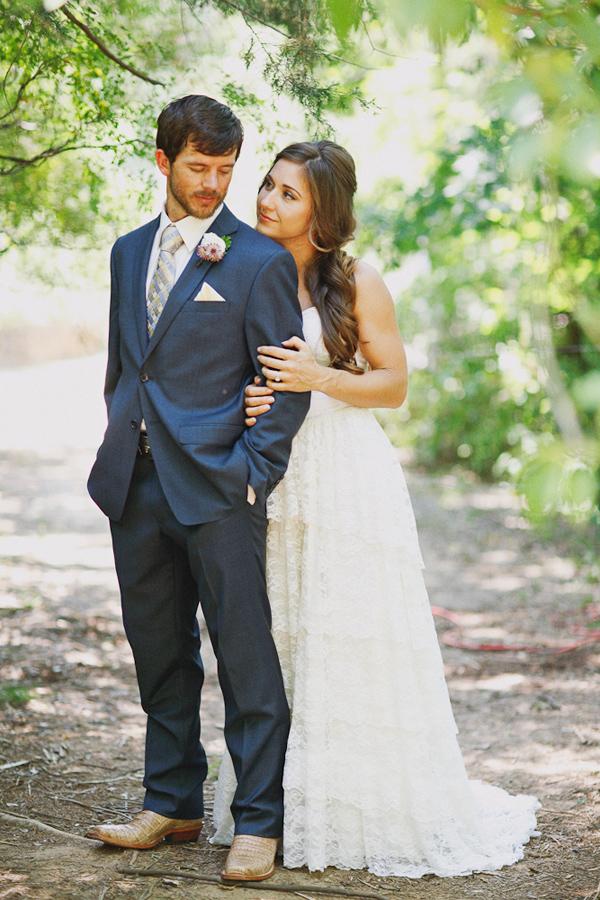 vintage-lace-wedding-dress-34.jpg