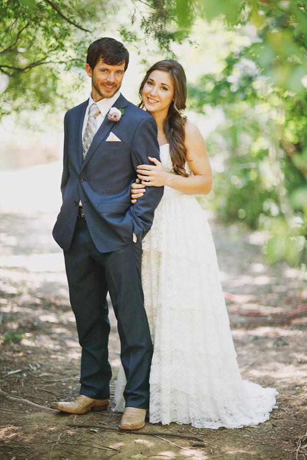 vintage-lace-wedding-dress-35.jpg