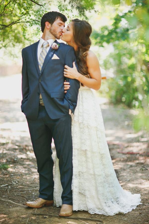 vintage-lace-wedding-dress-36.jpg