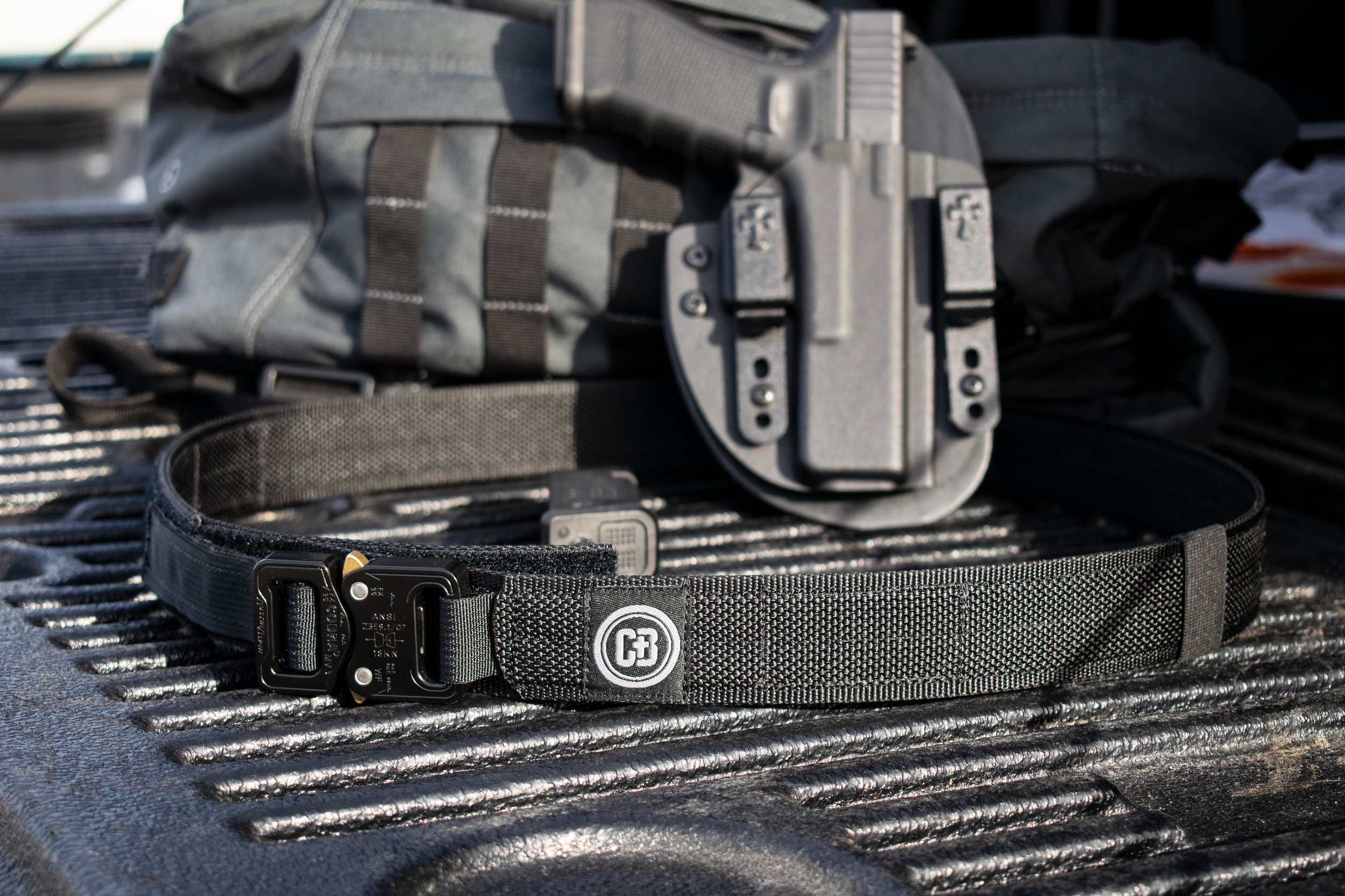 Copy of COBRA_BELT_TAILGATE_GLOCK17.jpg