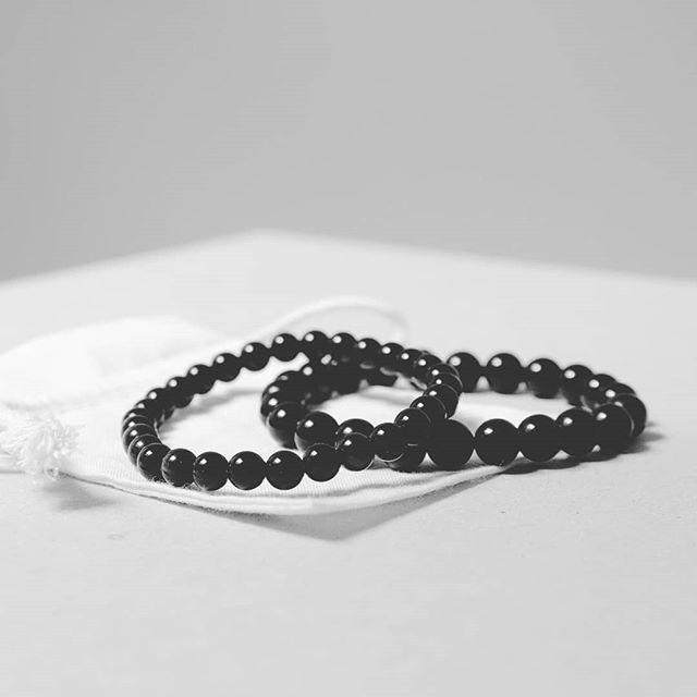 Rainbow Obsidian Bracelet / Bracelet Obsidienne Œil Céleste - 6mm et 8mm  Protection - Healing - Resilience . . . #rainbowobsidian #rainbow #obsidian #protection #healing #resilience #obsidienne #oeilceleste #sauge #stones #guérison #bracelet