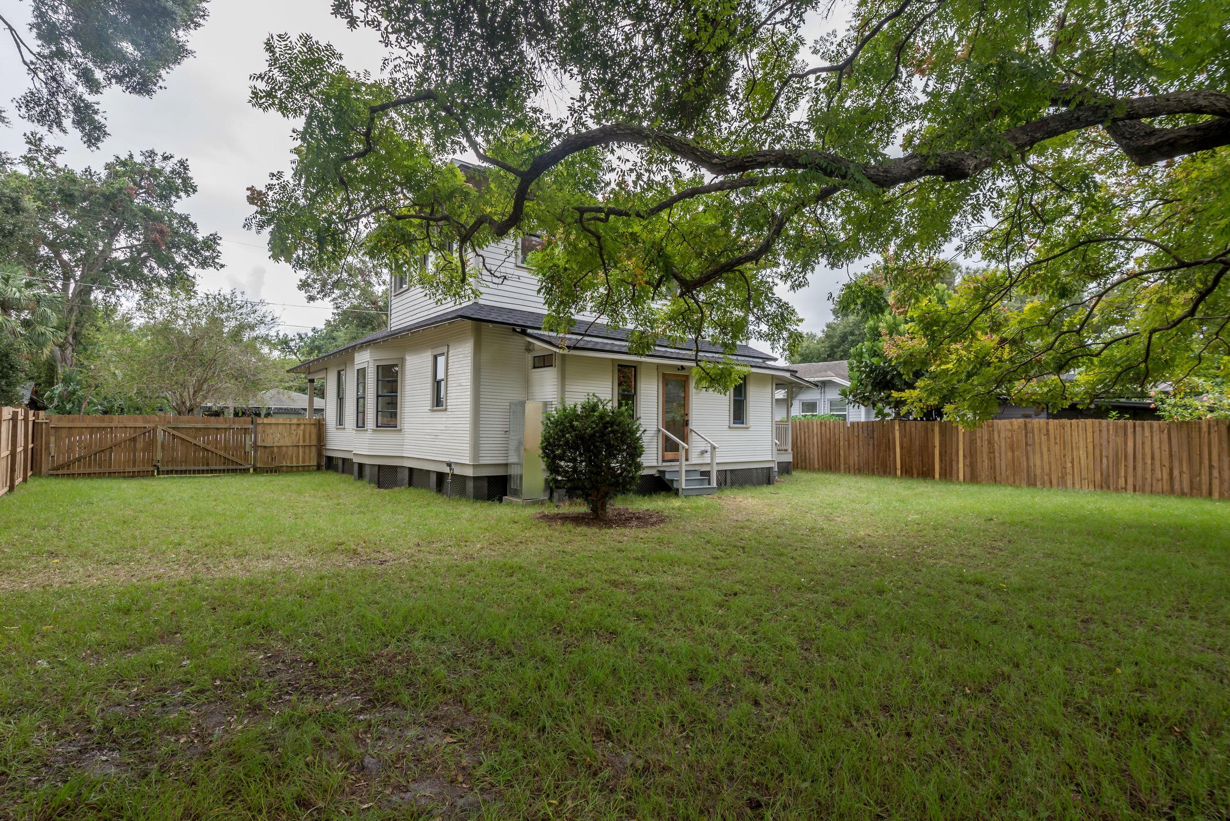 812 E. Louisiana 041.jpg