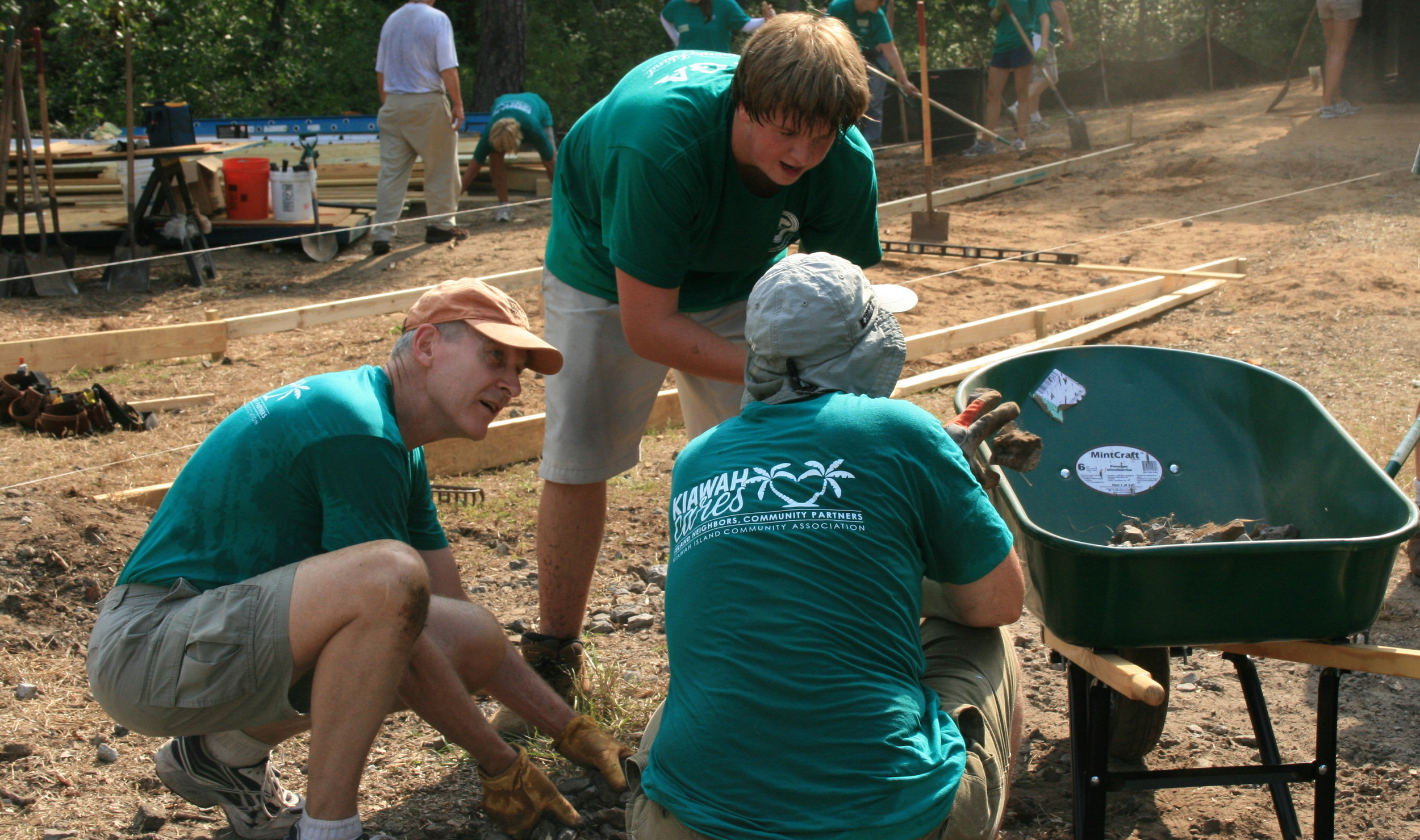 Kiawah Cares fuels humanitarian efforts to support those in need on Johns and Wadmalaw Islands.