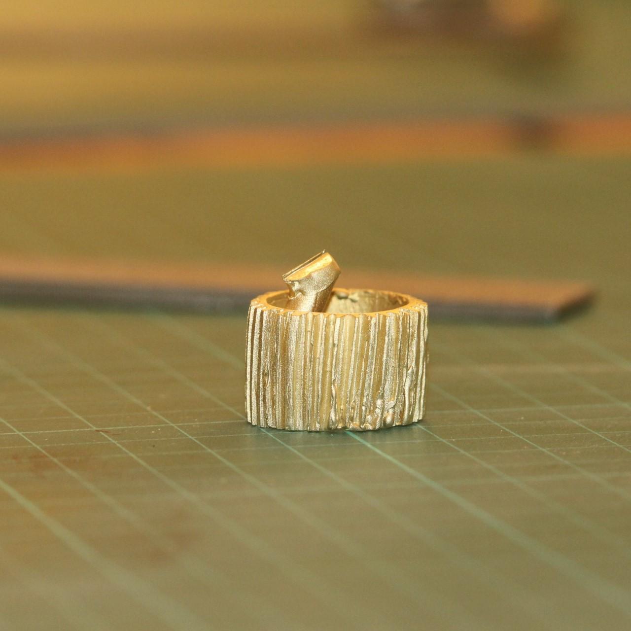 Transformation de la cire en métal après fonte