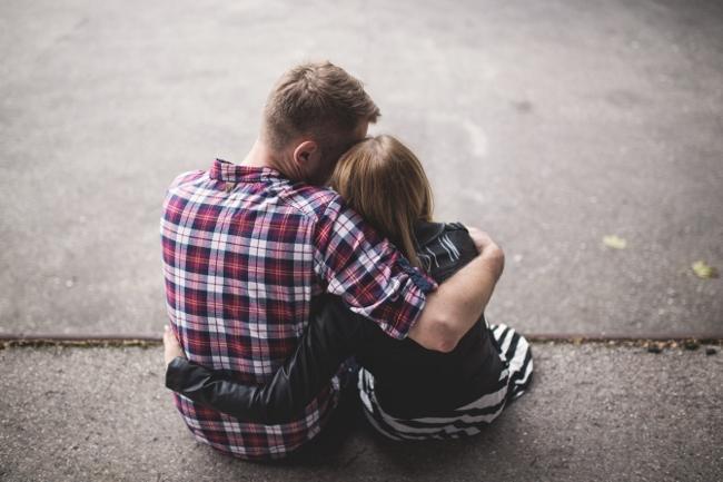 Dad-Hugging-Teen-Daughter-650x433.jpg