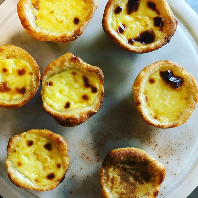 Portuguese Custard Tarts, known in their native Portugal as Pasteis de Nata, are simply...divine. Grab yours @harrybakescafe for midday or evening snack and coffee. #pasteisdebelem #bakery #espresso #midtownatl