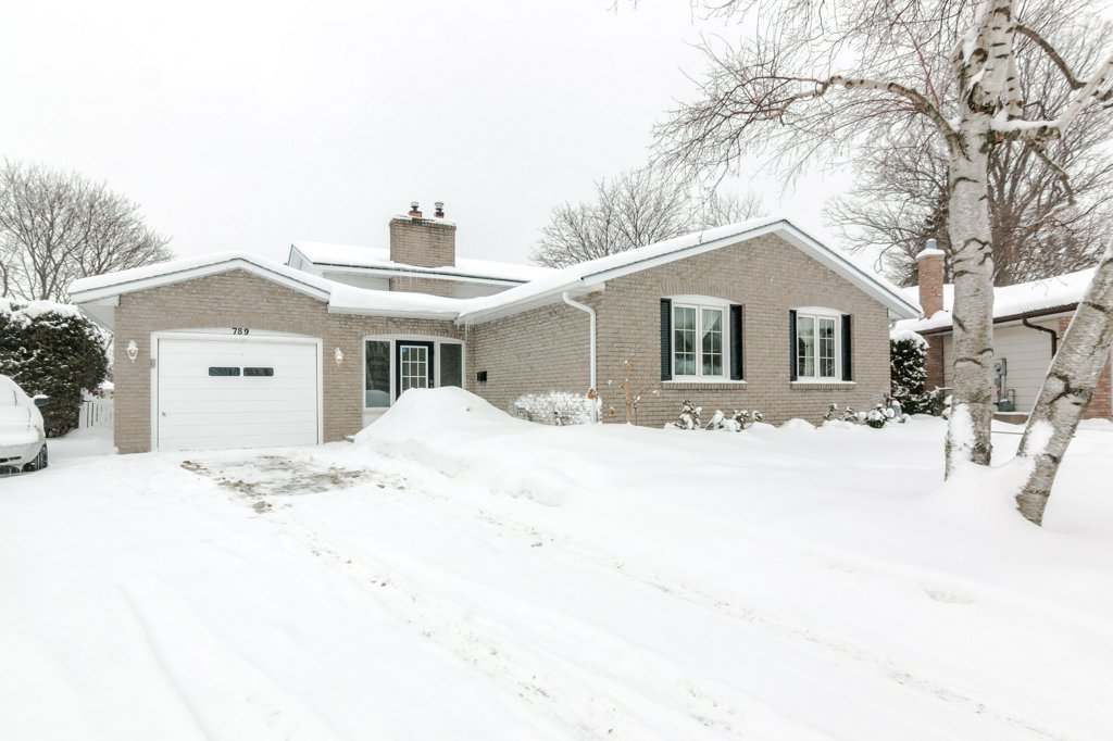 789 Canniff Place - A pretty backsplit at the end of a cul-de-sac in Kingston's west end, with a deep and private rear garden.Listed at $345,000.