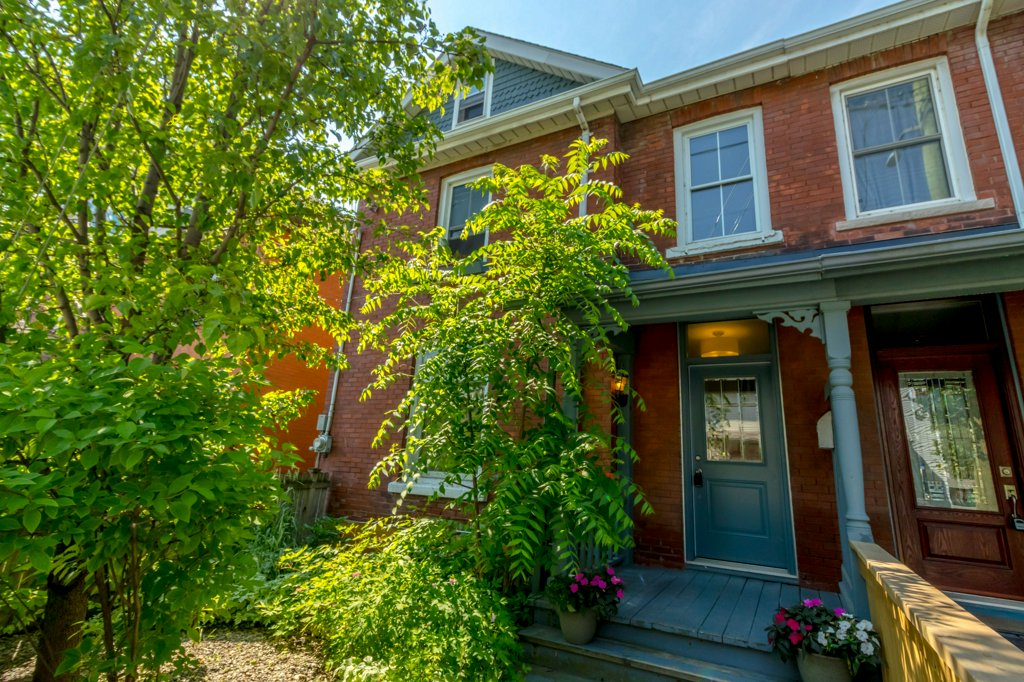 42 Ordnance St - A century semi as close to the beating heart of the city as you can get. Of course it's sold!