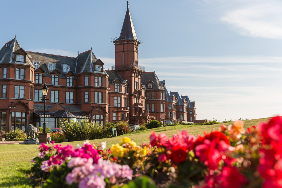 Treat yourself - Stay at the famous Slieve Donard Hotel ,Resort and Spa.Enjoy views of the beach and the Irish Sea as the sounds of nature takes you to a special place.Our retreats are focused on renewal and well being both of mind and body.O'Neill Ireland art workshops can set up massage or therapeutic yoga and other treatments.