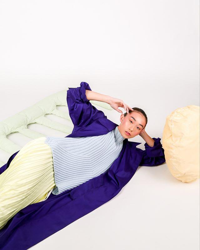 Representation of me laying here with a constant headache.  Photographer @kenzielizsmith  Stylist @nakiapleasant  Set Designer @berlingabriellebarrera  Model @sophiabruinsma  Makeup/ Hair @sunshinemuah