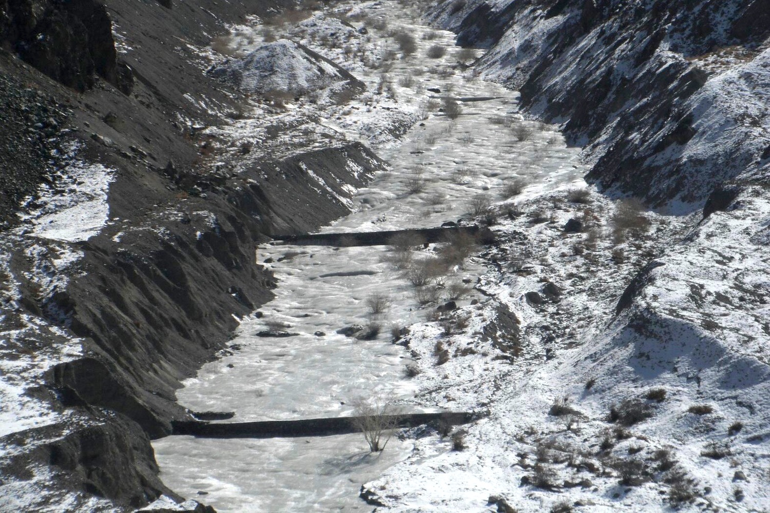 Sustainable community development - an artificial glacier in Ladakh, India