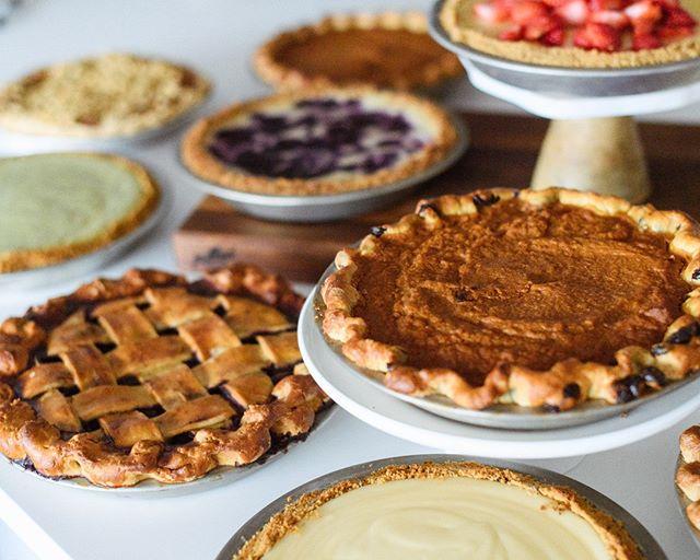 Wake up & smell the pie 😍 . . . . . #justiceofthepies #pies #pie #pielove #chicagopie #chicagobakery #bakingaddiction #freshlybaked #bakedfromscratch #pastryporn #chicagobaker #baker #homemade #homemadepie #chicagobusiness #eaterchicago #illinoismade #enjoyillinois #madeinchicago #chicagofood #f52grams #supportblackbusinesses #buyblack #blackowned #blackownedbusiness #woc