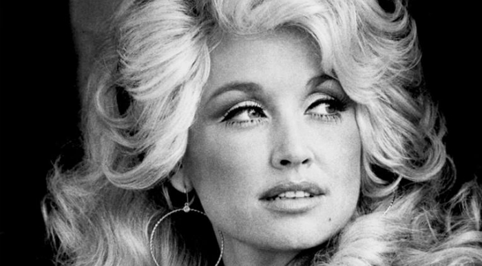 """If you talk bad about country music, it's like saying bad things about my momma. Them's fightin' words"" Dolly Parton"
