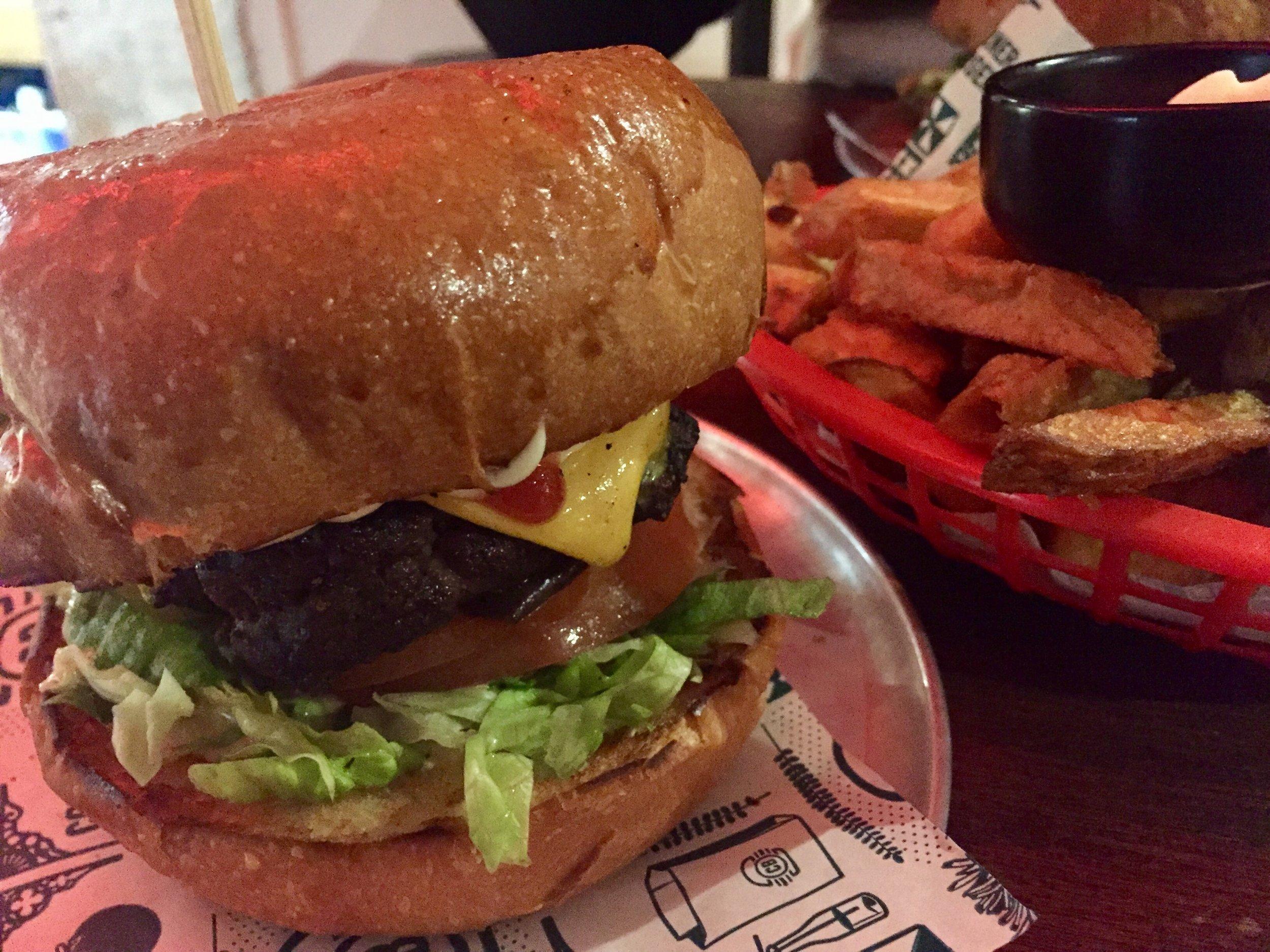 Corner Burger - 2.jpg