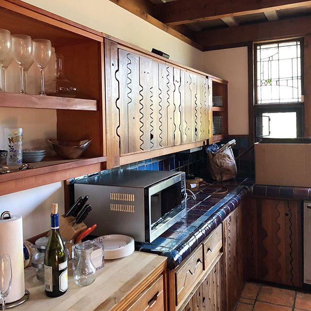 The details of these tucked away #craftsmanhomes in the #santamonicamountains