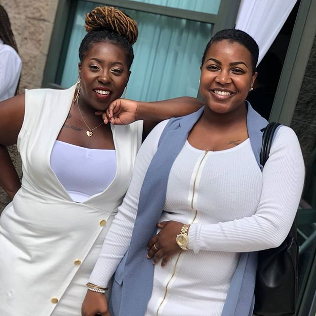 Which host is your #WCW?? @aye_effie and @moknowsbest_ were looking like snacks over the weekend at the 4th annual @bossesthatbrunch event!! . . . #WomanCrushWednesday #BlackBeauty #BlackWomen #Single #SingleBlackWomen #BossLadies #Entrepreneurs #BossesThatBrunch #Brunch #BrunchVibes #BossesChoice #BrunchMoves #OOTD #Fashion #FaceBeat #NoMakeupMakeup #NaturalBeauty #FauxLocs #NaturalHair #LA #Carson #LosAngeles #AllWhite #Melanin #Melanated #MelaninPoppin #PortraitMode