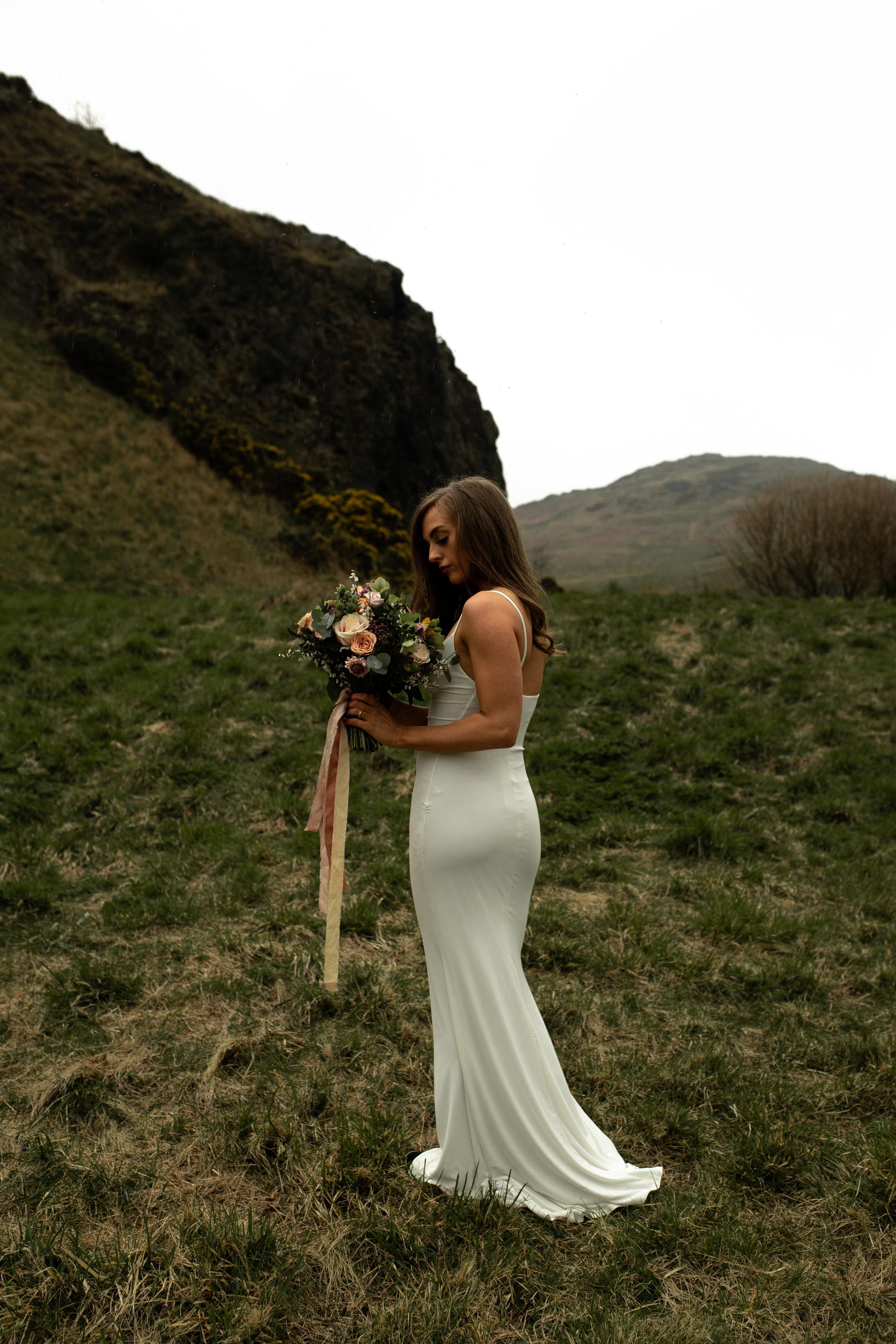 Paula_Russell_Photography_Edinburgh_Wedding_BBonnie_Flowers_4