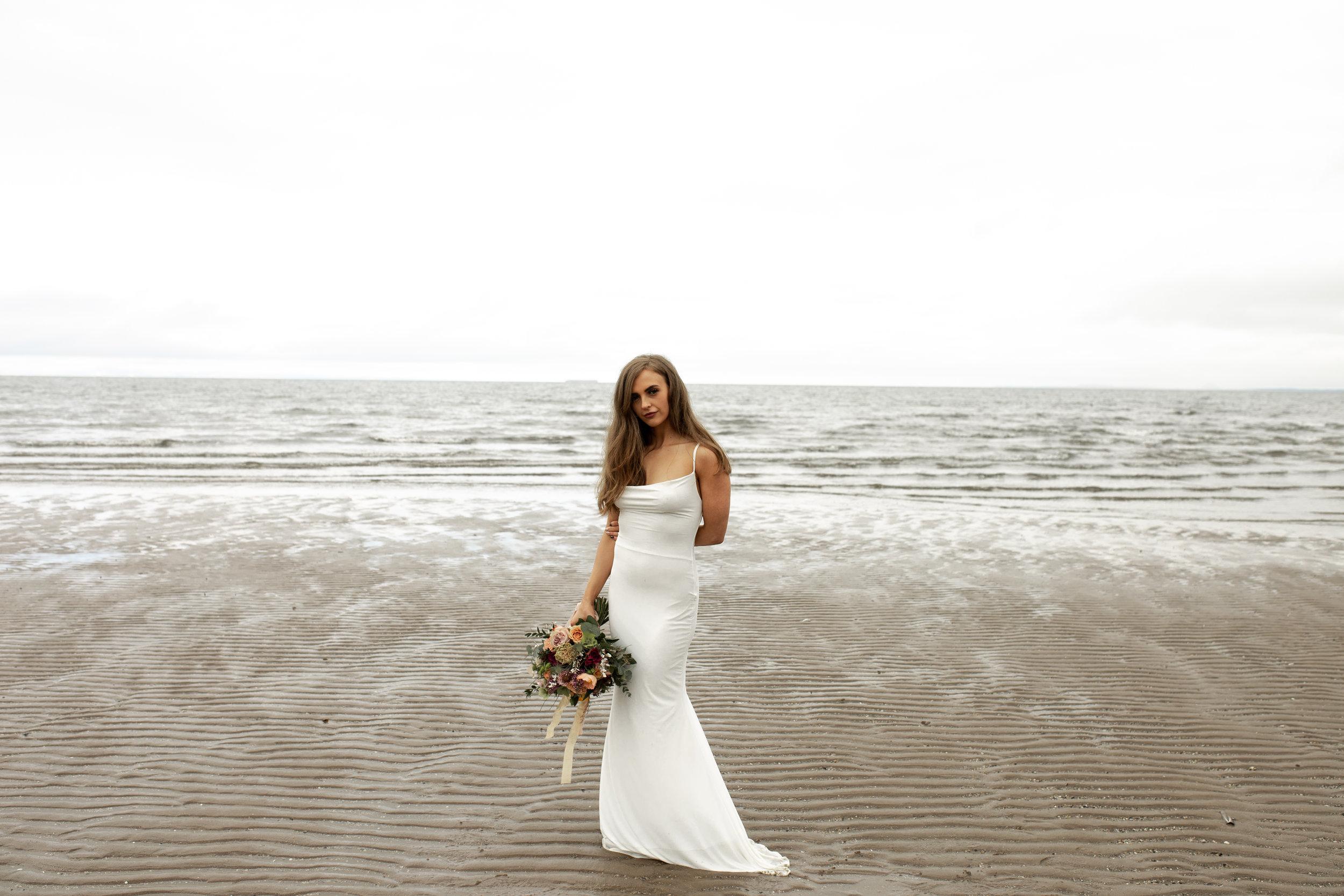 Paula_Russell_Photography_Edinburgh_Wedding_BBonnie_Flowers_9