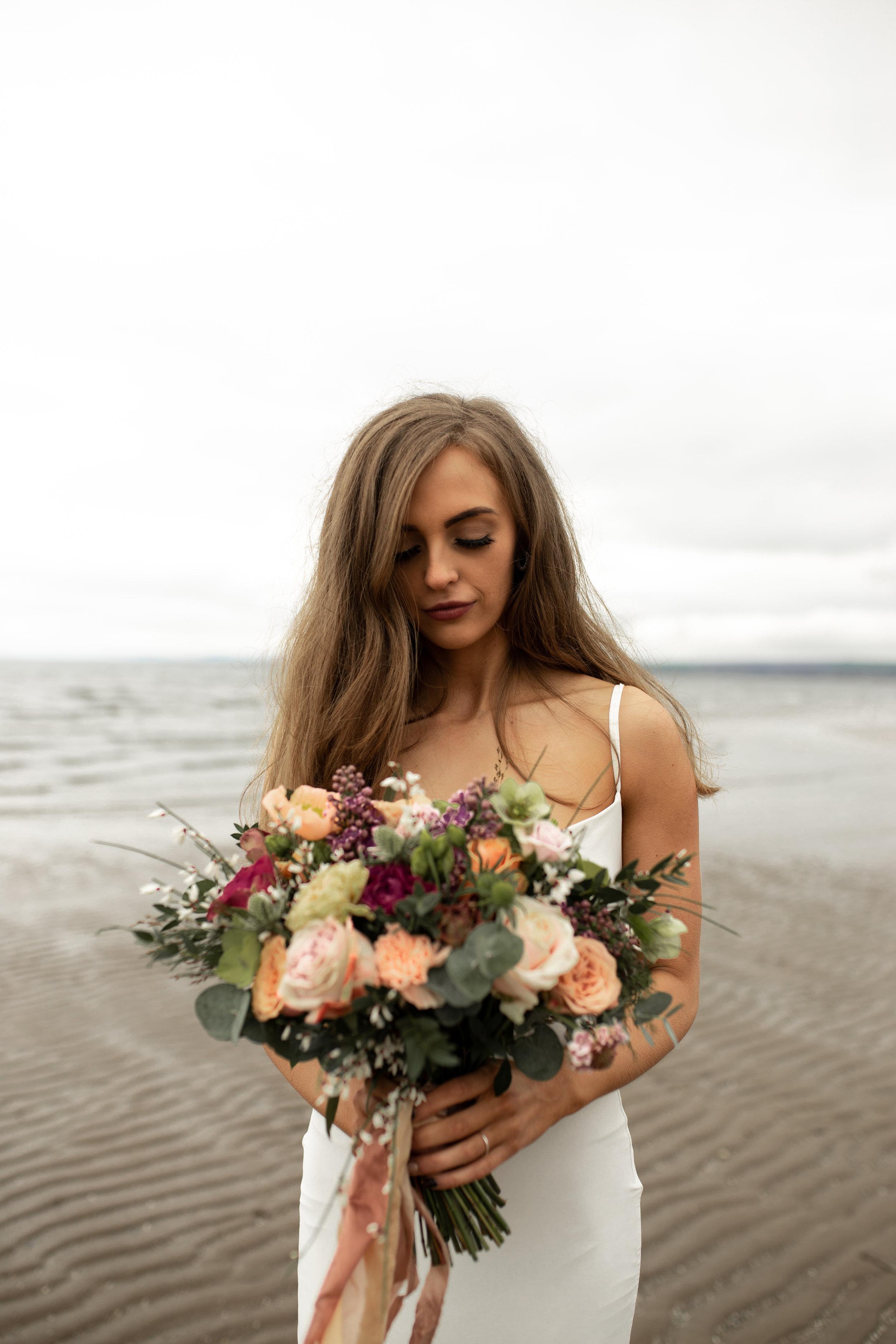 Paula_Russell_Photography_Edinburgh_Wedding_BBonnie_Flowers_10