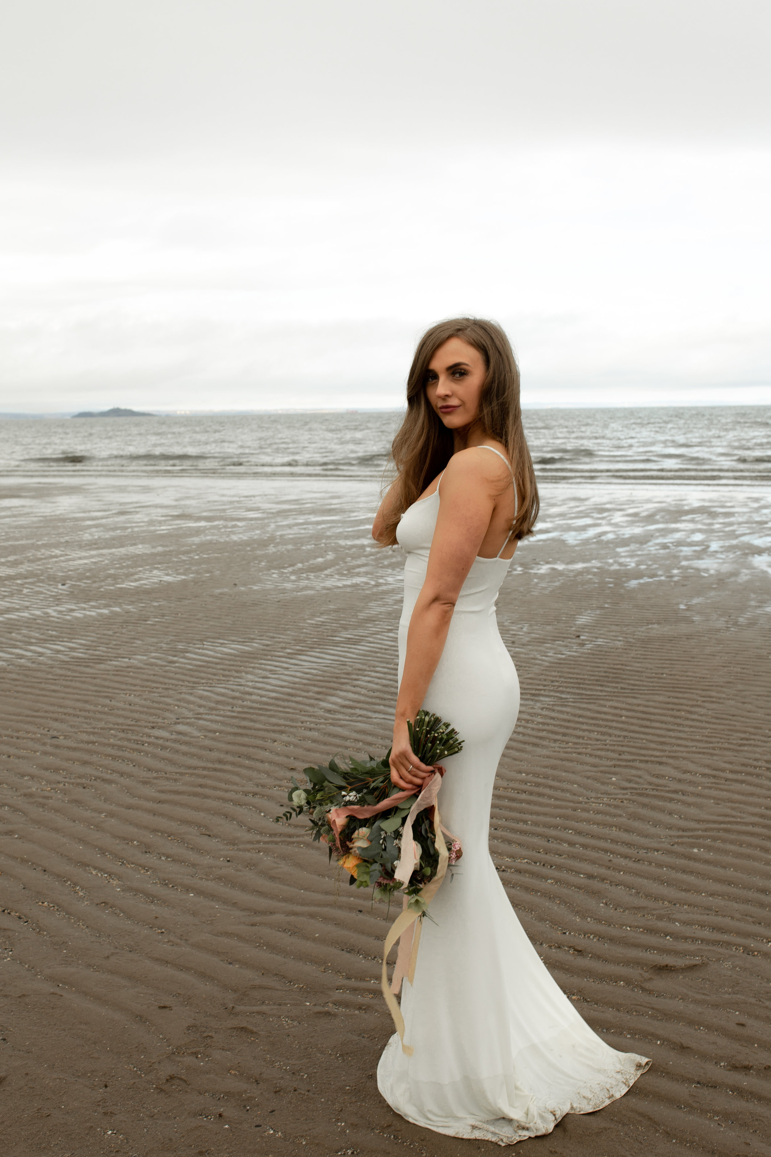 Paula_Russell_Photography_Edinburgh_Wedding_BBonnie_Flowers_11