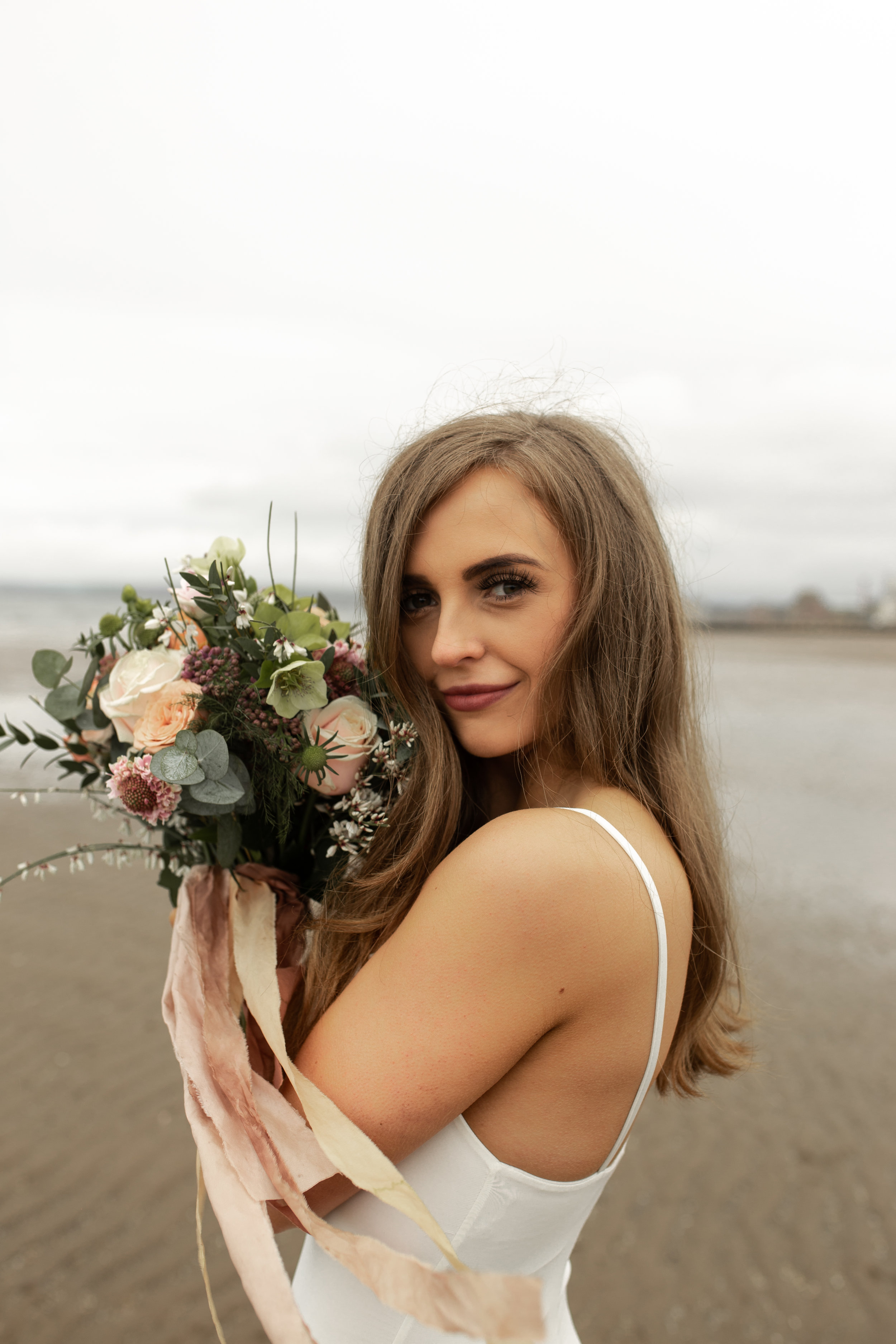 Paula_Russell_Photography_Edinburgh_Wedding_BBonnie_Flowers_12