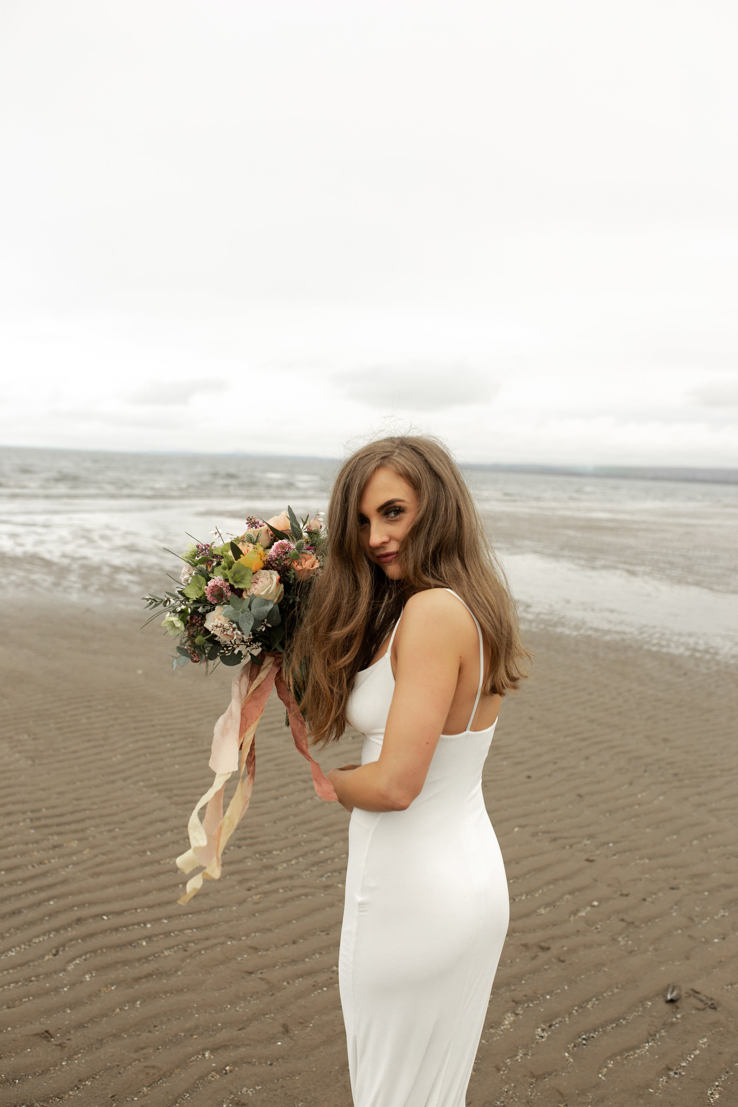 Paula_Russell_Photography_Edinburgh_Wedding_BBonnie_Flowers_13