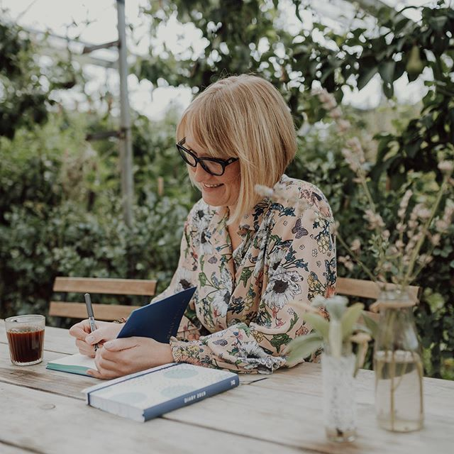 Last week I had the pleasure of photographing the wonderful @sarahphilpcoaching at the gorgeous @secretherbgarden — there's nothing more dreamy than taking photos in a little botanical haven like this! 🍃 ~ My photography work began with portraits and it's still one of my favourite aspects of it all. ✨