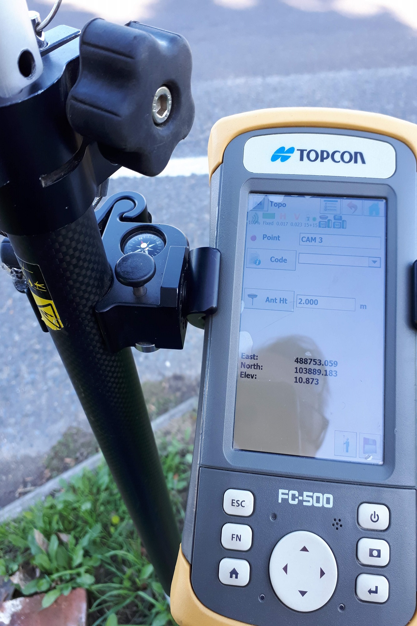 Site measurements include camera position and topography