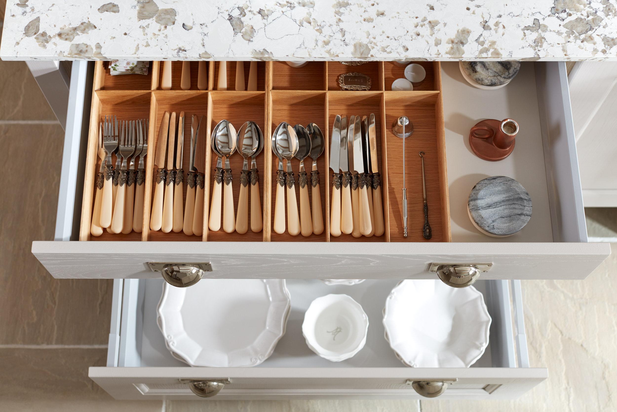 Alchemy_Style 4_Storage_Konfigure cutlery inserts_High Res.jpg