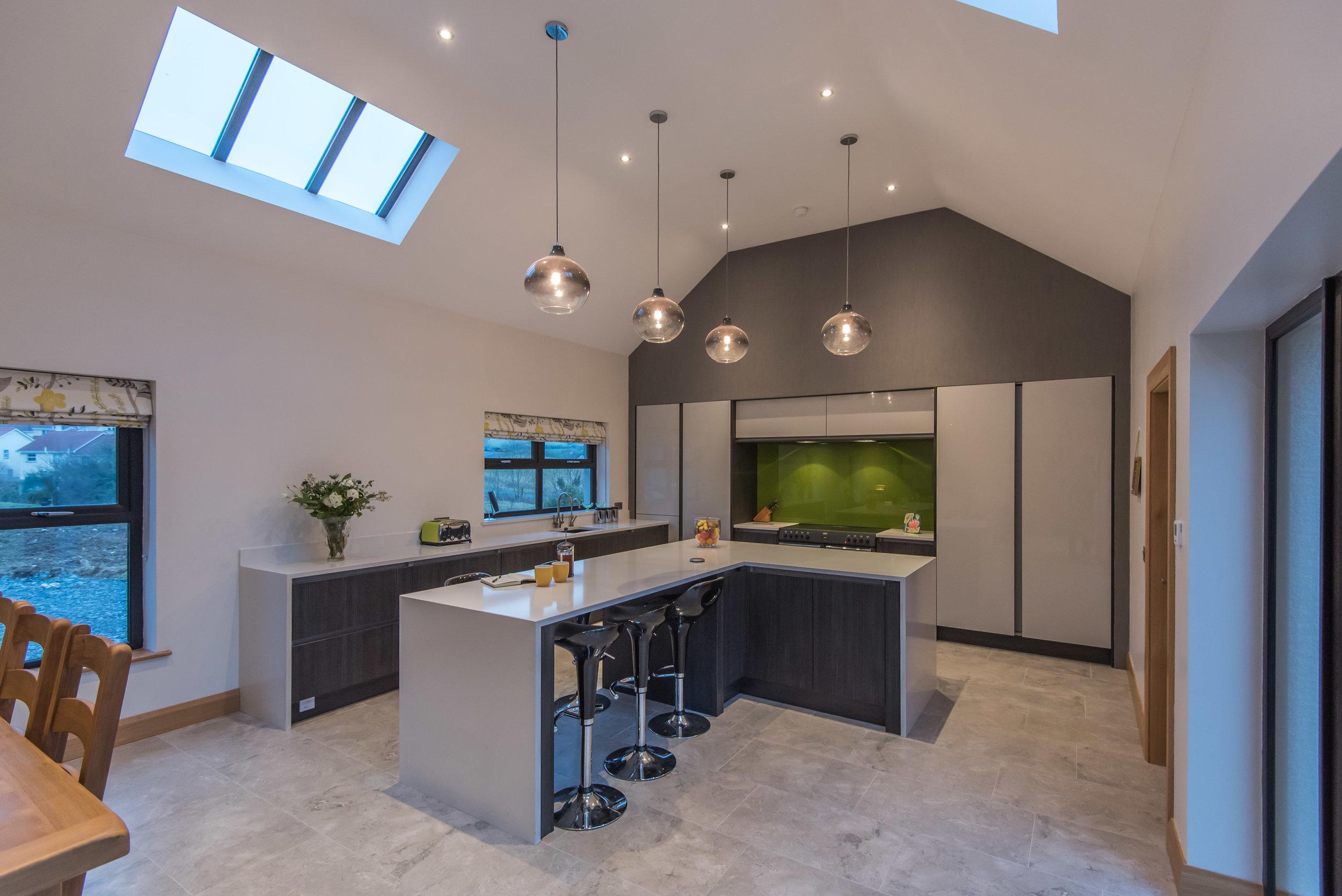 DN -001 -Gloss kitchen.jpg