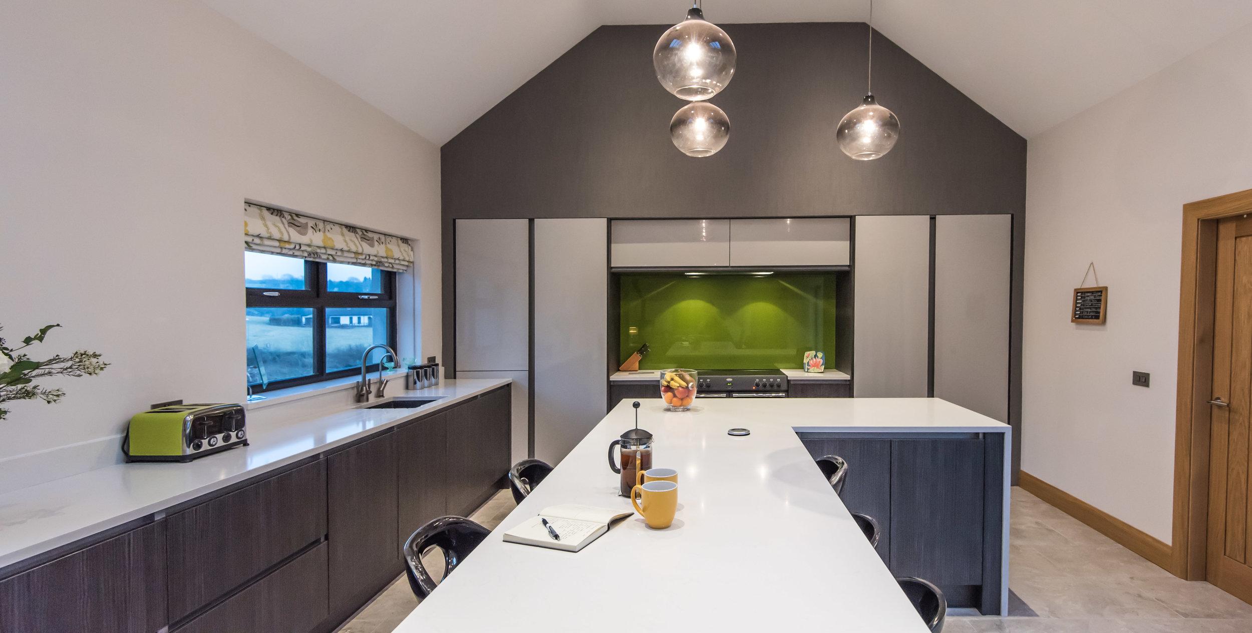 DN -010 -Gloss kitchen.jpg